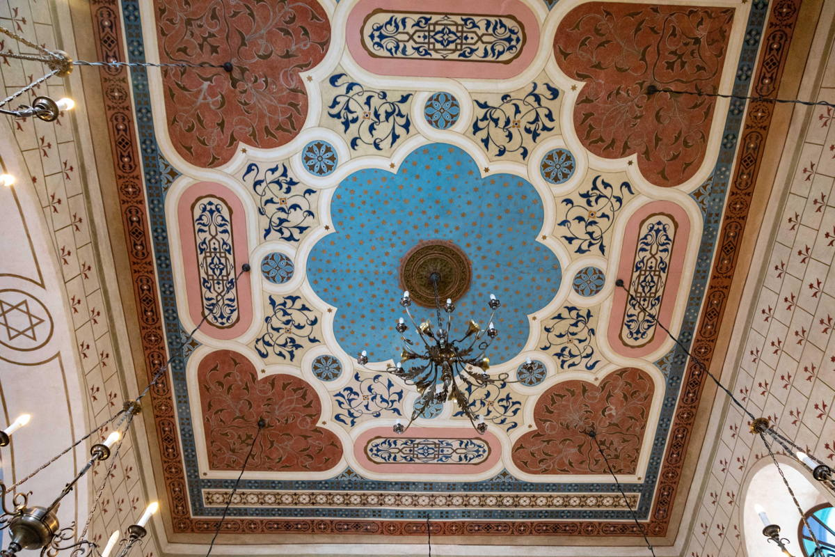 original ceiling preserved