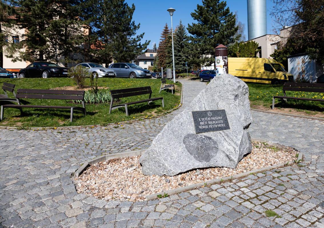 torn down in 1960's, memorial at site