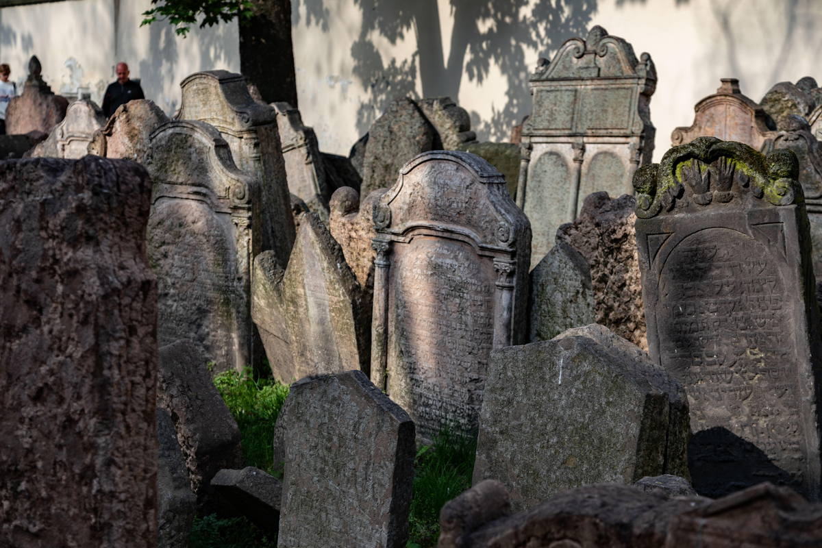 multiple layers of graves
