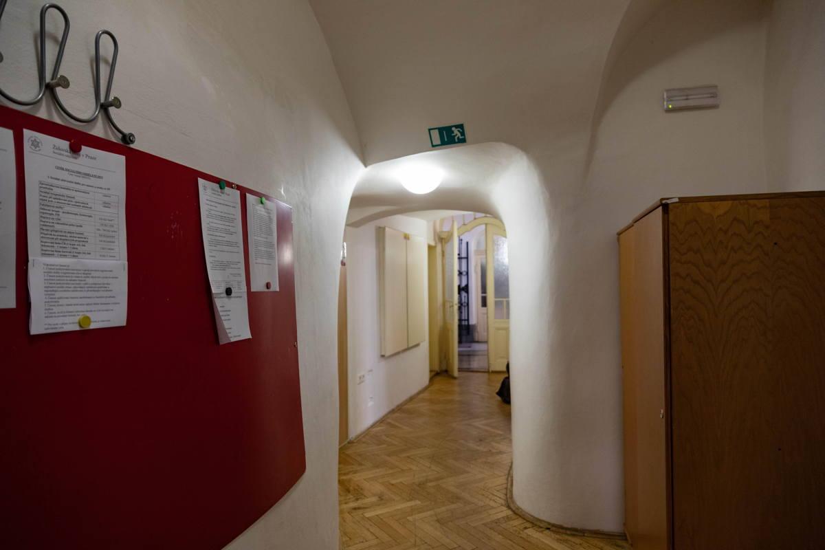 hallway to synagogue