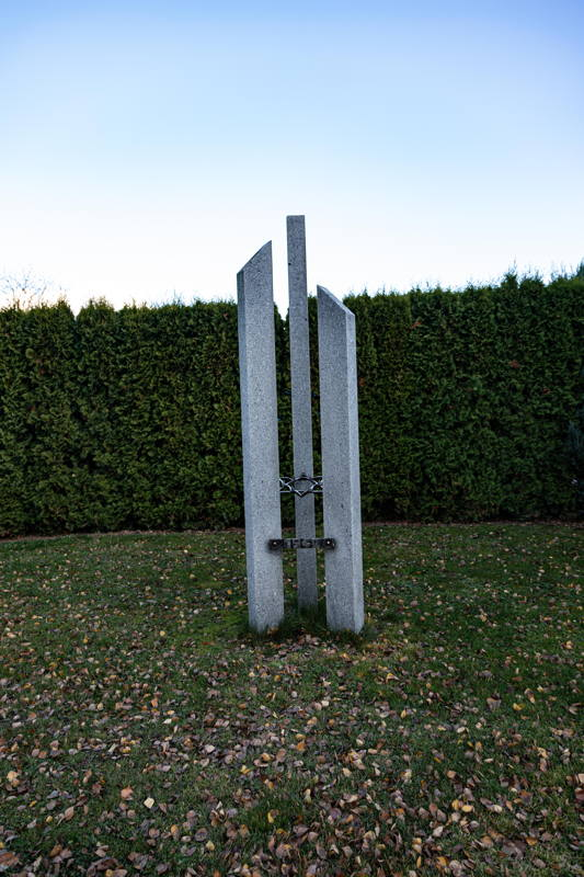 to the victims of the Shoah